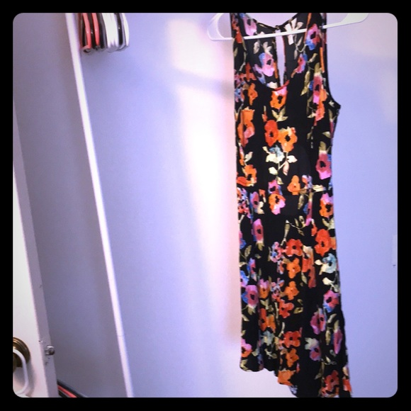 Frenchi Dresses & Skirts - Floral skater dress with cutouts